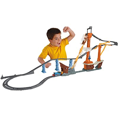 Fisher-Price Thomas & Friends TrackMaster, Shipwreck Rails Set: Toys & Games