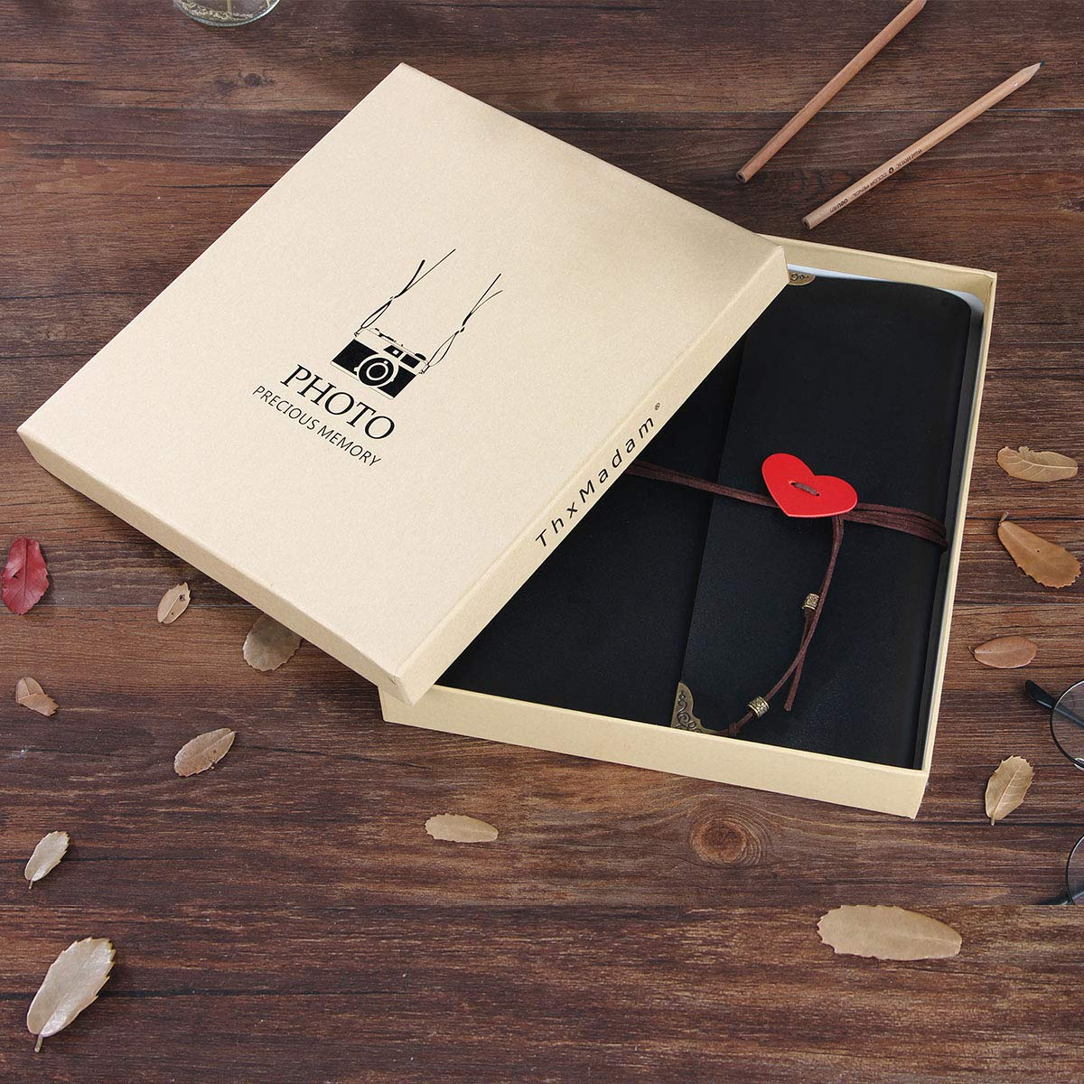 Leder Fotoalbum Retro Scrapbooking Album Hochzeit G/ästebuch DIY Vintage Schwarze Seiten Fotobuch f/ür Hochzeitstag Muttertag Geburtstag Jahrestag Weihnachten Geschenk ThxMadam Scrapbook Album