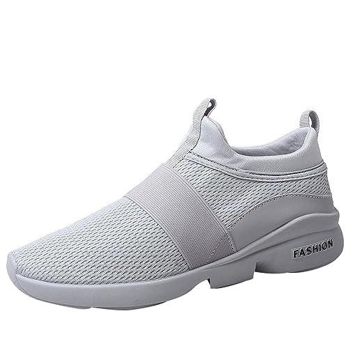 Sportschuhe in Grau für Männer. Herrenmode in Grau bei