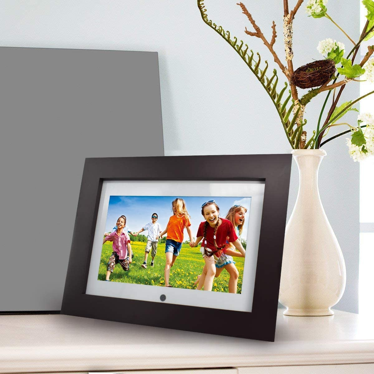 Sylvania SDPF1095 10-Inch Wi-Fi Cloud Digital Picture Frame Renewed