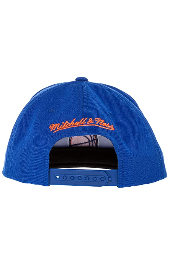 9d84f270c18 Mitchell   Ness Men s New York Knicks Wool Solid Snapback One Size Blue at  Amazon Men s Clothing store  Sports Fan Baseball Caps
