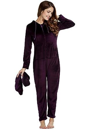 2b8a534711 UNibelle Damen Jumpsuit einteiliger Pyjama Strampler für Erwachsene mit  Füssen Ganzkörper Schlafanzug Dunkles Violet L