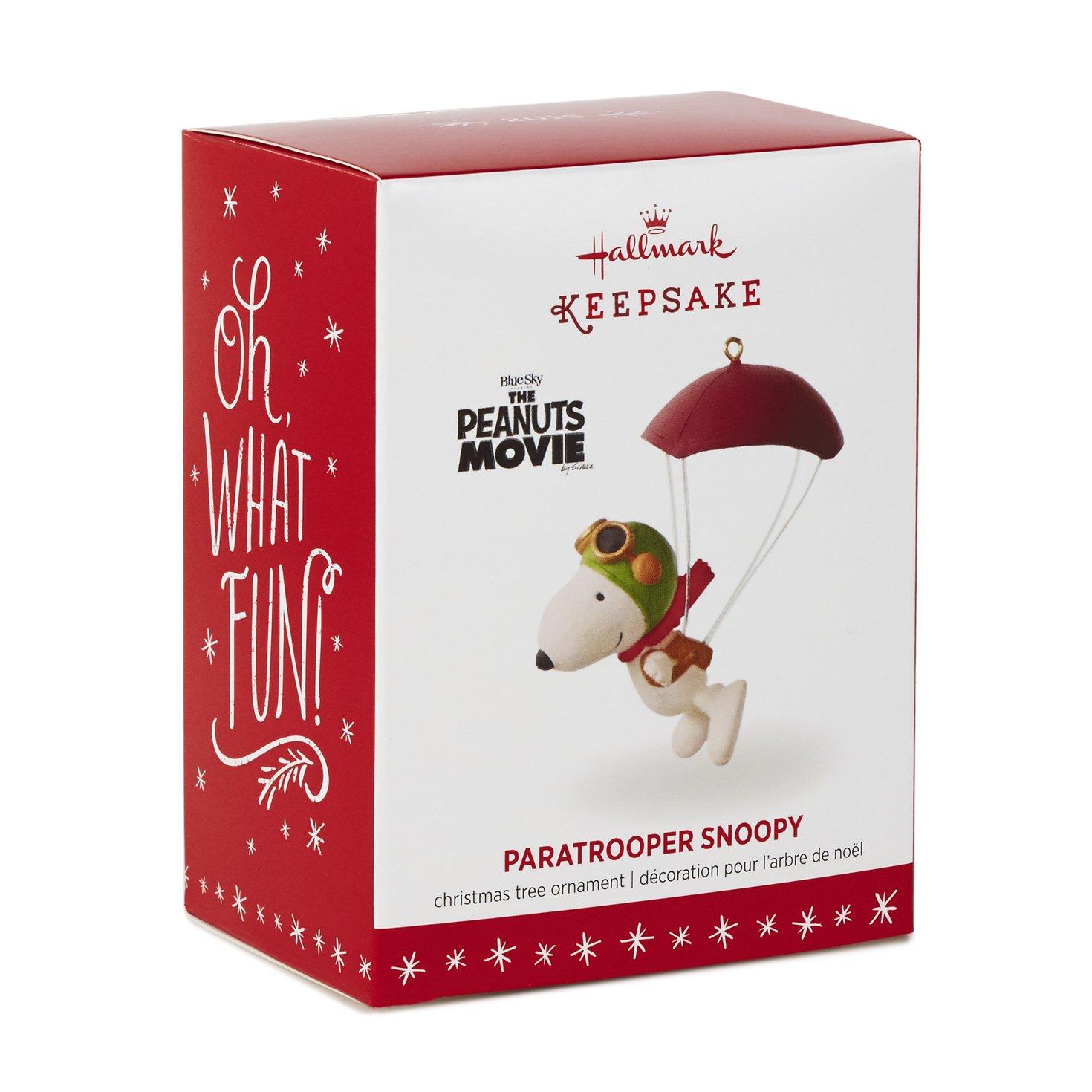 Amazoncom Hallmark Keepsake Spotlight On Snoopy #19 Winter Fun Holiday