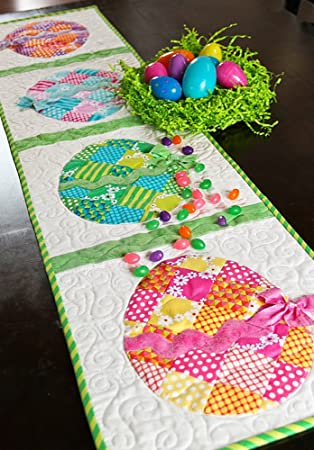 Amazon.com: Patchwork Easter Egg Table Runner Pattern: Arts ...