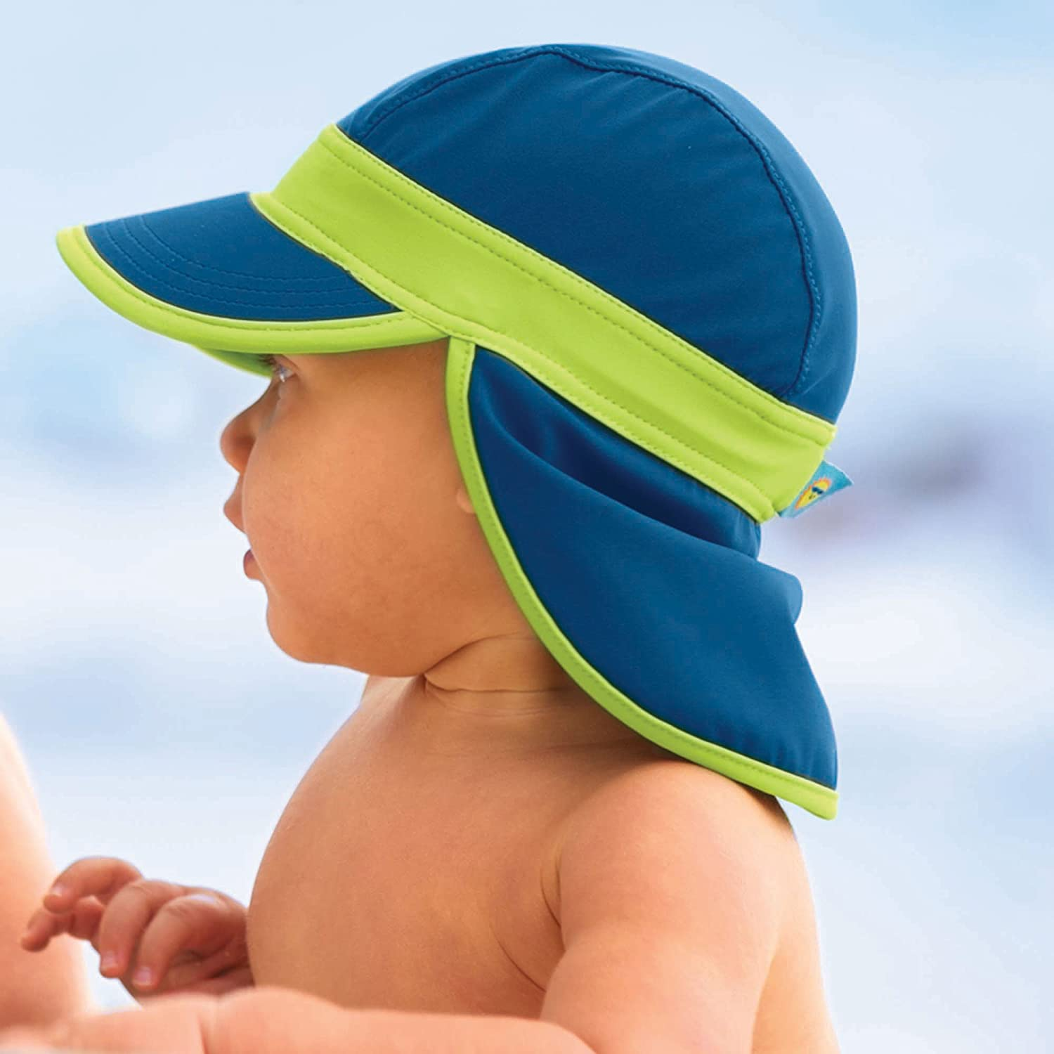 d495484ef24 Amazon.com  Navy Blue Baby Sun Hat with UPF50 Sun Protection by Sun Smarties