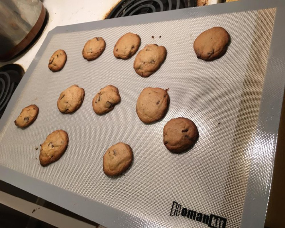 Homankit Silicone Baking Mat, Full Sheet Pan 15 3/4'' x 23 5/8'', Heat Resistance NonStick Reusable AntiSlip Odorless Sheet Grey by Homankit (Image #1)