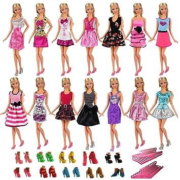 6148fd6ae Amazon.es  Miunana 15x   5X Vestidos Estilo al Azar Ropas Casual + 5 Zapatos  + 5 Perchas Accesorios como Regalo para Muñeca Barbie 30 cm Doll  Juguetes  y ...