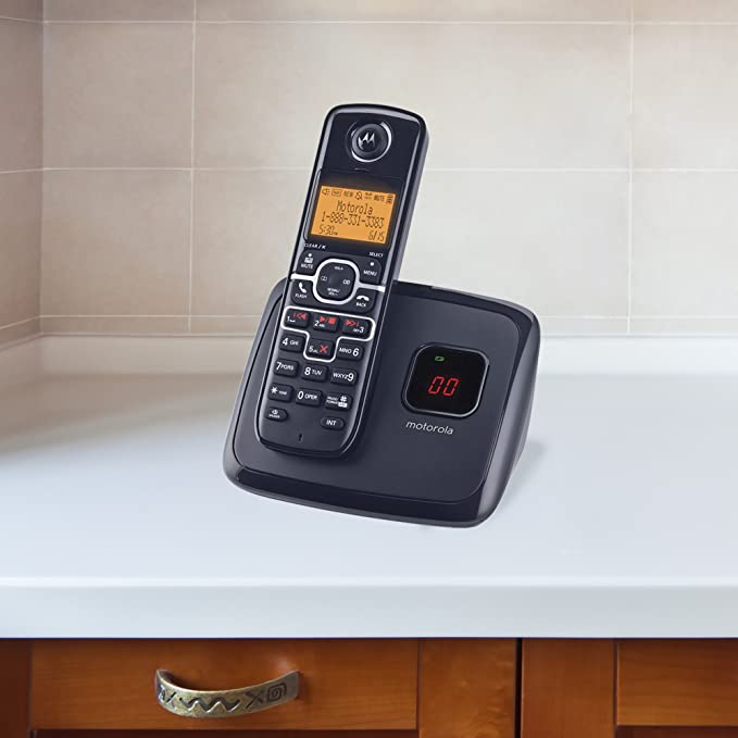 amazon com motorola dect 6 0 enhanced cordless phone with 2 rh amazon com motorola cordless phone manual d411a motorola cordless phone manual l403