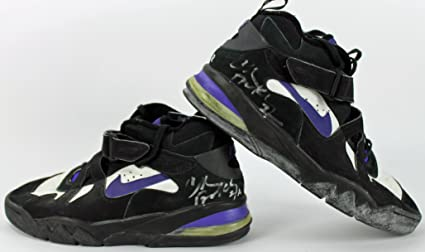 competitive price 06aca 216a2 Image Unavailable. Image not available for. Color  Suns Charles Barkley  Signed Game Used Nike Air Force Max CB ...