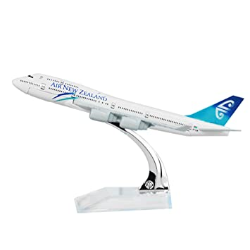 24 Hours Air New Zealand Boeing 747 Airplane Models Child Birthday Gift Vehicles Trains Remote Control