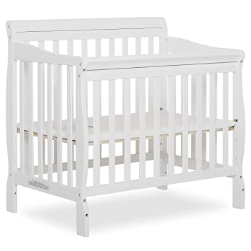Amazon Com Dream On Me Aden 4 In 1 Convertible Mini Crib In White Greenguard Gold Certified Baby