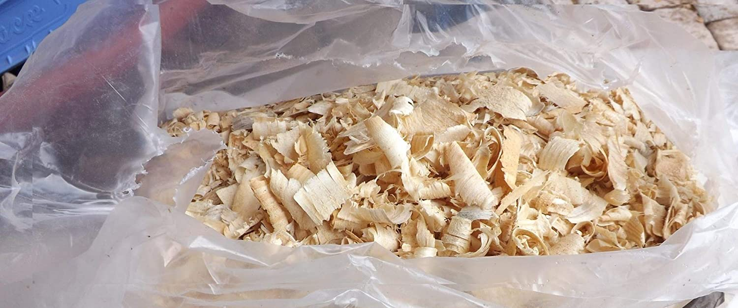 100% All Natural Nest Box Nesting Material Pine Shavings, Great for Screech Owls Houses, Wood Ducks, and More, Safer Than Cedar (4 Qt) Rio Hamza Trading