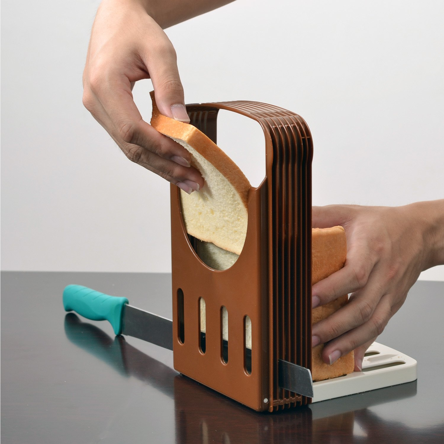 BREAD SLICER Perfect Kitchen Bread Loaf Toast Bun Cutter, Brown TFY BREAD_SLICER