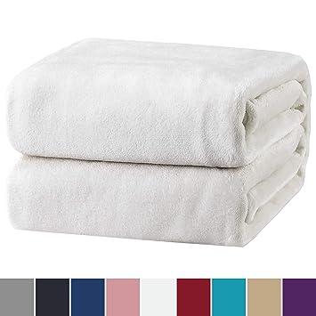 Bedsure Manta para sofá y Cama, Blanco - Manta esponjosa Super Suave 150x202cm - Manta Borreguillo de Lana para Viajes, Picnic y Camping