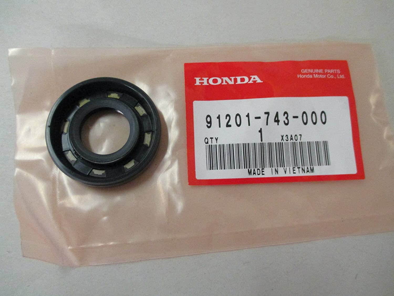 Honda 91201-743-000 Oil Seal (20X42X8)
