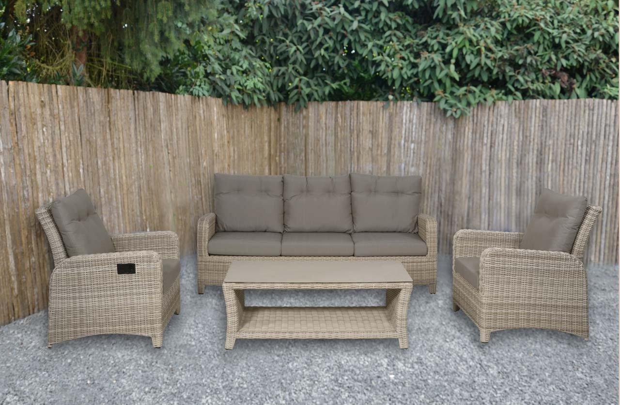 lifestyle4living Lounge Gartenmöbel Set aus Polyrattan in beige. Gartenstühle und Bank verstellbar inkl. Sitzauflagen, wetterfest. Ideal für Garten und Terrasse.