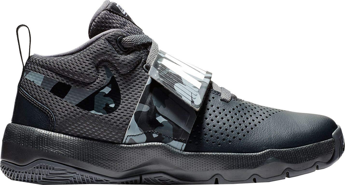 46652ada65d0 Amazon.com  Nike Kids  Grade School Team Hustle D 8 Camo Basketball Shoes   Sports   Outdoors