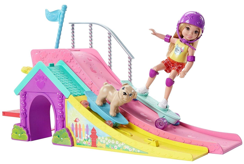 Amazon.es: Barbie Chelsea, muñeca y su parque de patinaje, accesorios muñeca (Mattel FBM99): Juguetes y juegos