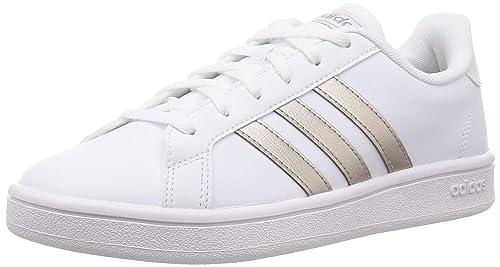 salida para la venta baratísimo bajo precio Adidas Tenis Grand Court Base EE7874 para Mujer, Color Blanco/Franjas  Doradas.