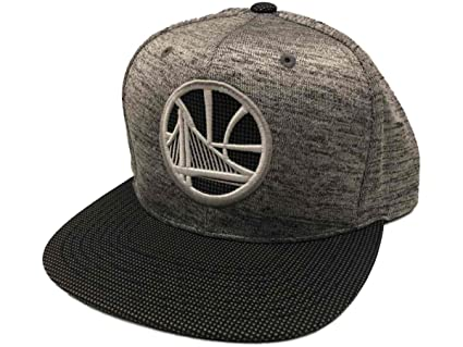 the best attitude b7001 8c352 Mitchell   Ness NBA Space Knit Snapback Cap (One Size, Golden State  Warriors)