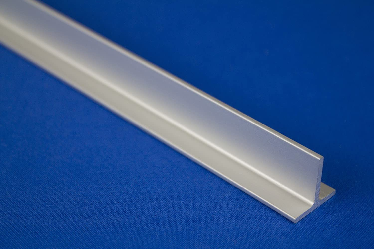 DIY 2  Metres Anodised Aluminium Rail Form 18  T Profile Strip 20  x 20  mm B90 Effector