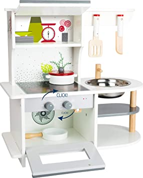 Small Foot Children S Kitchen With Hob Pan And Kitchen Utensils From 3 Years Amazon De Spielzeug