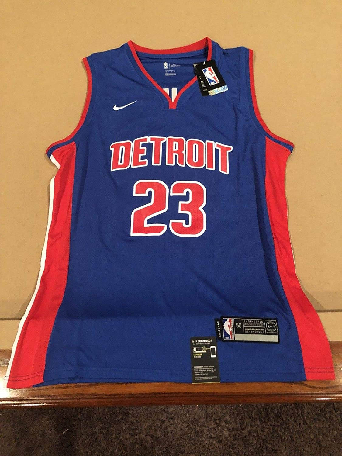 e8520919a1f Blake Griffin Autographed Signed Custom Detroit Pistons Jersey Clippers Nba  Star with Memorabilia JSA COA at Amazon s Sports Collectibles Store