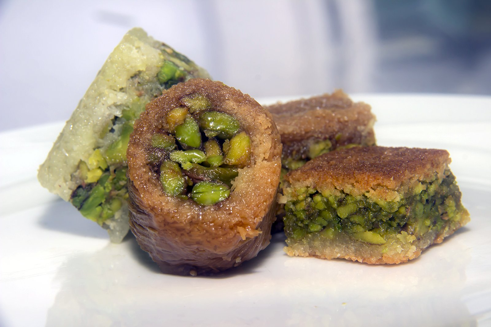 Assorted Baklava Sweets w/Pistachio (20 Oz) : 23-25 Pcs small cut - Imported Fresh from Lebanon - THE ORIGINAL Recipe From Middle East - Assorted Baklava Pastry Pistachios (20 Oz) by Hallab 1881 (Image #5)