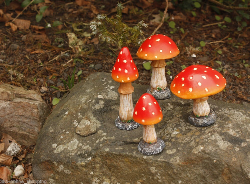 Garden mile® Set of Four Red Toadstool Mushroom Garden Ornaments And Statues Ideal Fairy Garden Decoration Decor