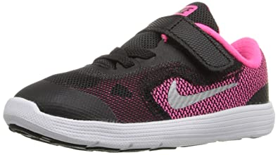 NIKE Girls' Revolution 3 Running Shoe (TDV), Black/Metallic Silver/