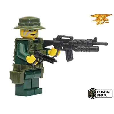 US Navy Seal in Woodland Camo - Custom Army Builder Military Minifigure: Toys & Games