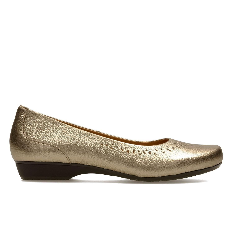 amazon clarks ladies flat shoes