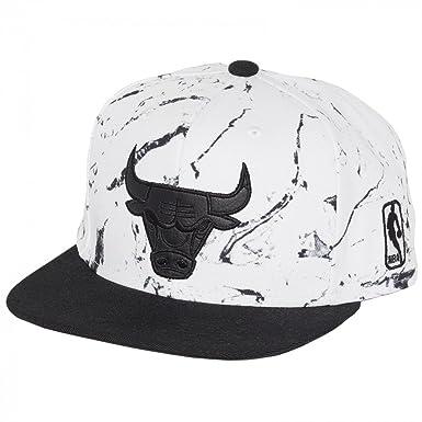 Mitchell & Ness Herren Caps / Snapback Cap White And Black Marble Chicago  Bulls weiß one size: Amazon.de: Bekleidung