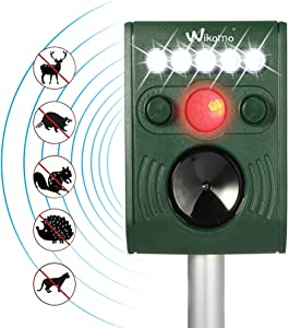 Wikomo Ultrasonic Animal Repeller, Solar Powered Waterproof Outdoor with Ultrasonic Sound, Motion PIR Sensor and Flashing Light for Cats, Dogs, Squirrels, Moles, Rats