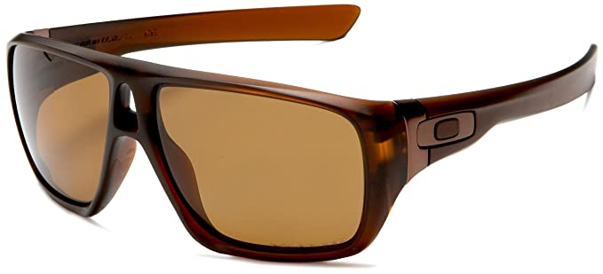 e11665ddc5 Amazon.com  Oakley Men s Dispatch Polarized Sunglasses