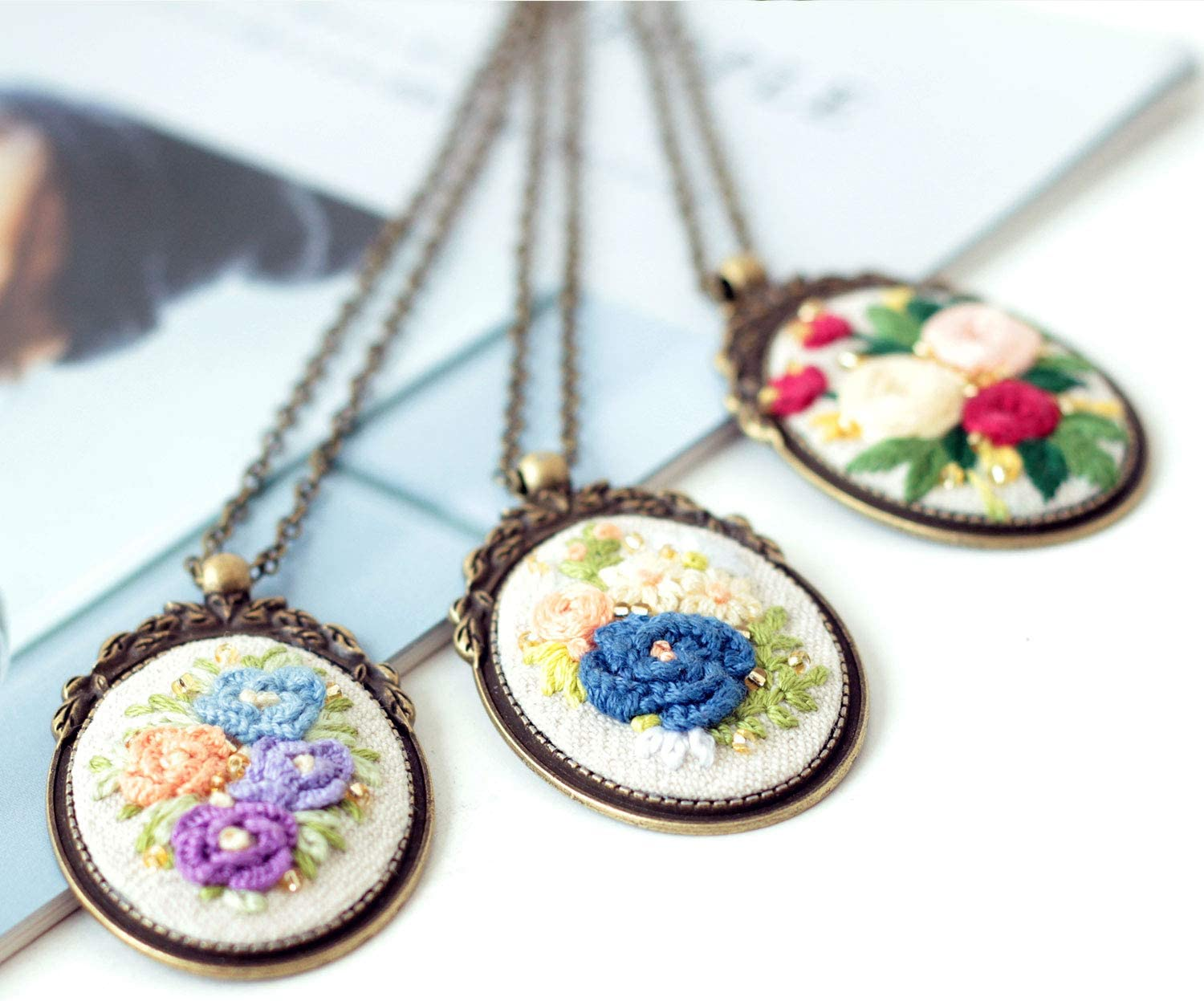 Brass Pedestal and Chain Embroidery Hoop Silver Beads B Akacraft Retro Necklace Series Embroidery Starter Kit Canvas Cloth with Stamped Pattern