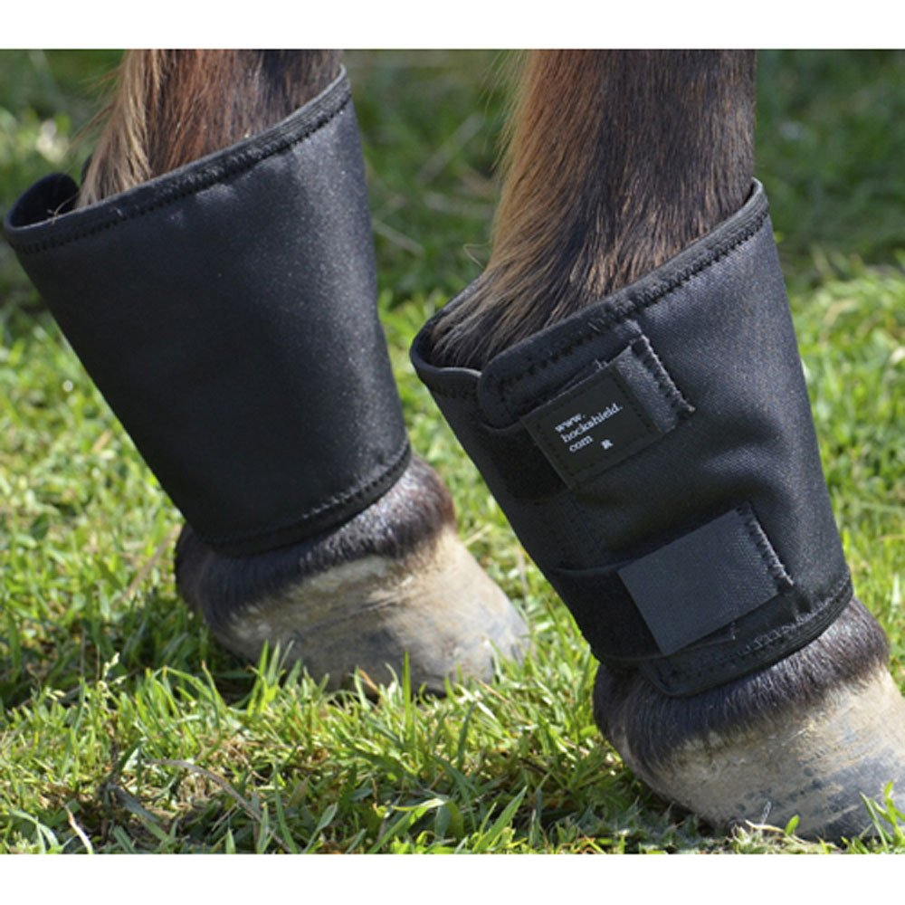 Fetlock Shield Cordura material. One size fits up to a large warmblood. Predects the fetlock and pas