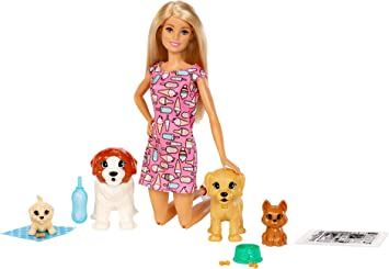Barbie coffret poupée et ses 4 chiens, dont