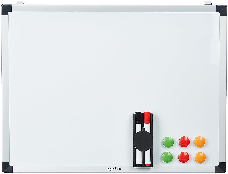 AmazonBasics - Lavagna magnetica bianca, cancellabile a secco, con supporto porta-pennarelli e bordi in alluminio, 60 x 45 cm DHWB008
