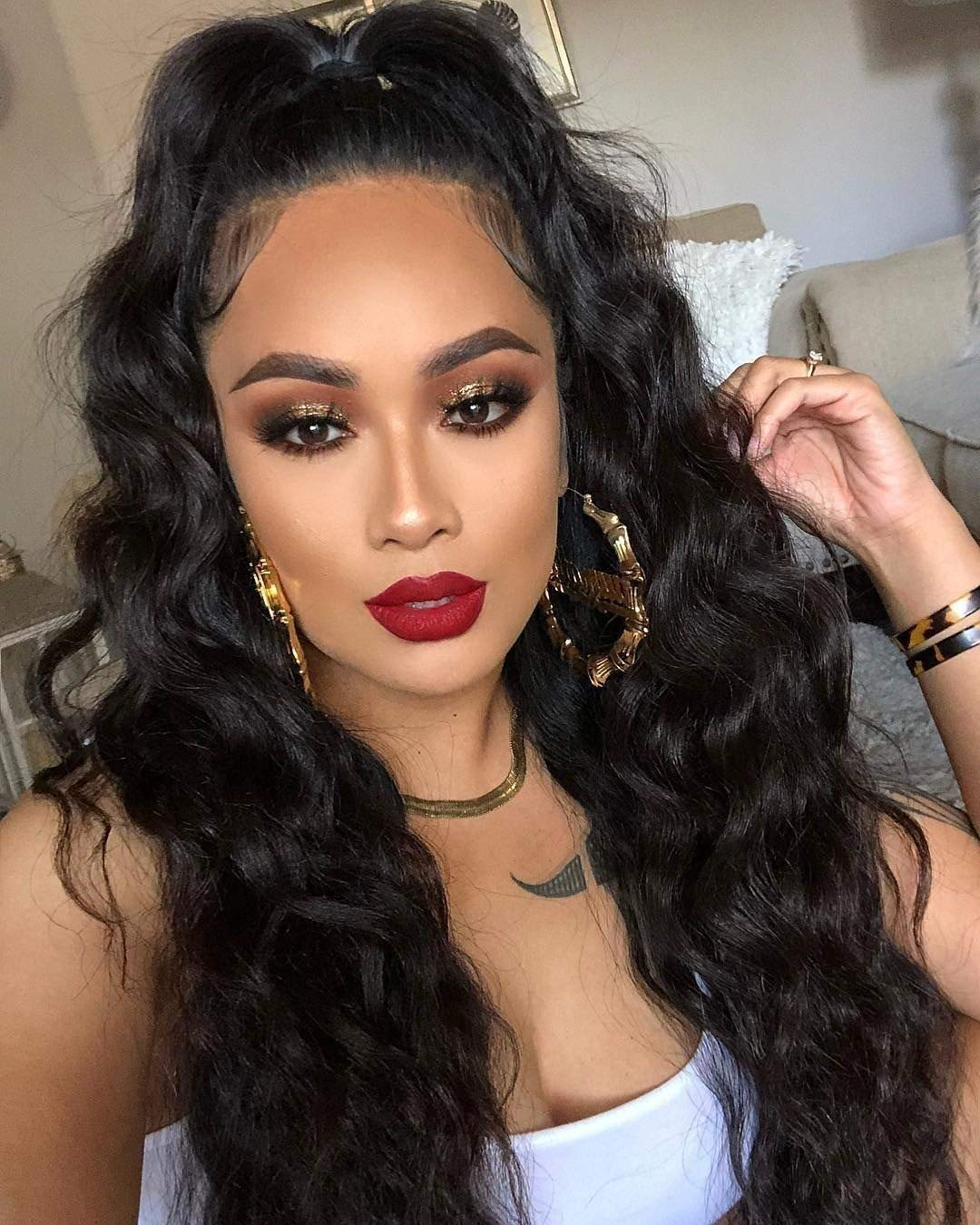 AISI HAIR Lace Front Wigs Synthetic Hair Long Wavy Synthetic Hair Wigs Pre Plucked Natural Hairline Wigs for Women Natural Black (20 Inches)
