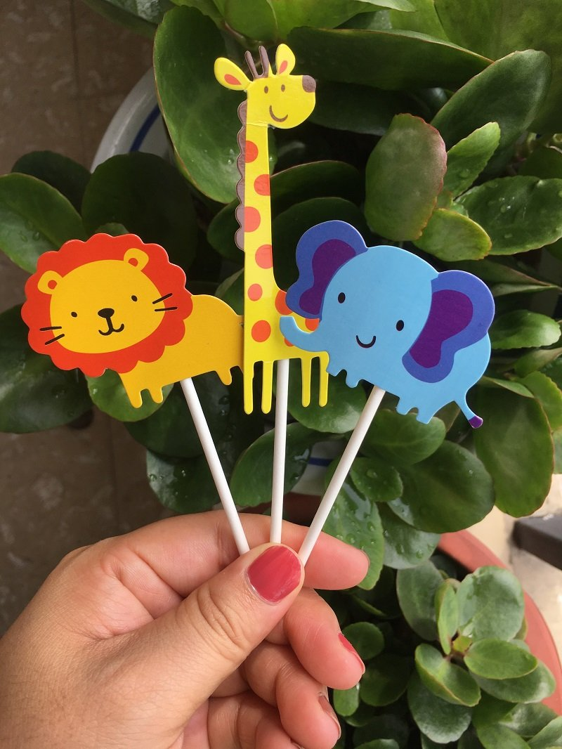 kapoklife 28-Pack Cute Zoo Animal Cupcake Toppers Picks,Jungle Animals Cake Toppers for Kids Baby Shower Birthday Party Cake Decoration Supplies pibiao WXJ-0030