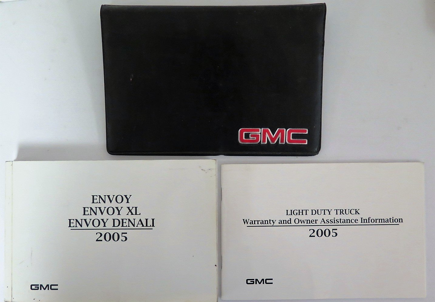 Amazon.com: 2005 GMC Envoy and XL and Denali Owners Manual: GMC: Automotive