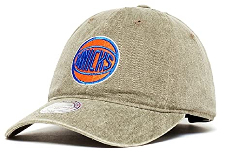 88d168f3a14d9c Image Unavailable. Image not available for. Color: Mitchell & Ness New York  Knicks ...