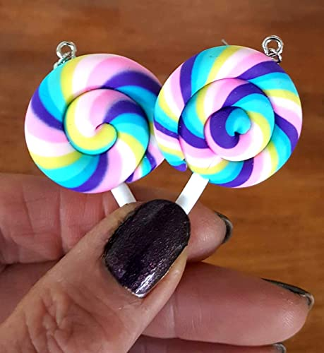 Boucles doreilles pendantes color/ées en forme de sucette arc-en-ciel par Pashal marron