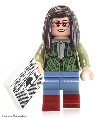 LEGO Ideas Big Bang Theory Minifigure - Amy Farrah Fowler w/ News Article (21302)