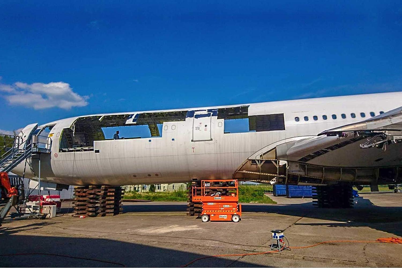 Amazon.com: AVT010 AviationTag Airbus A340 (Air France ...