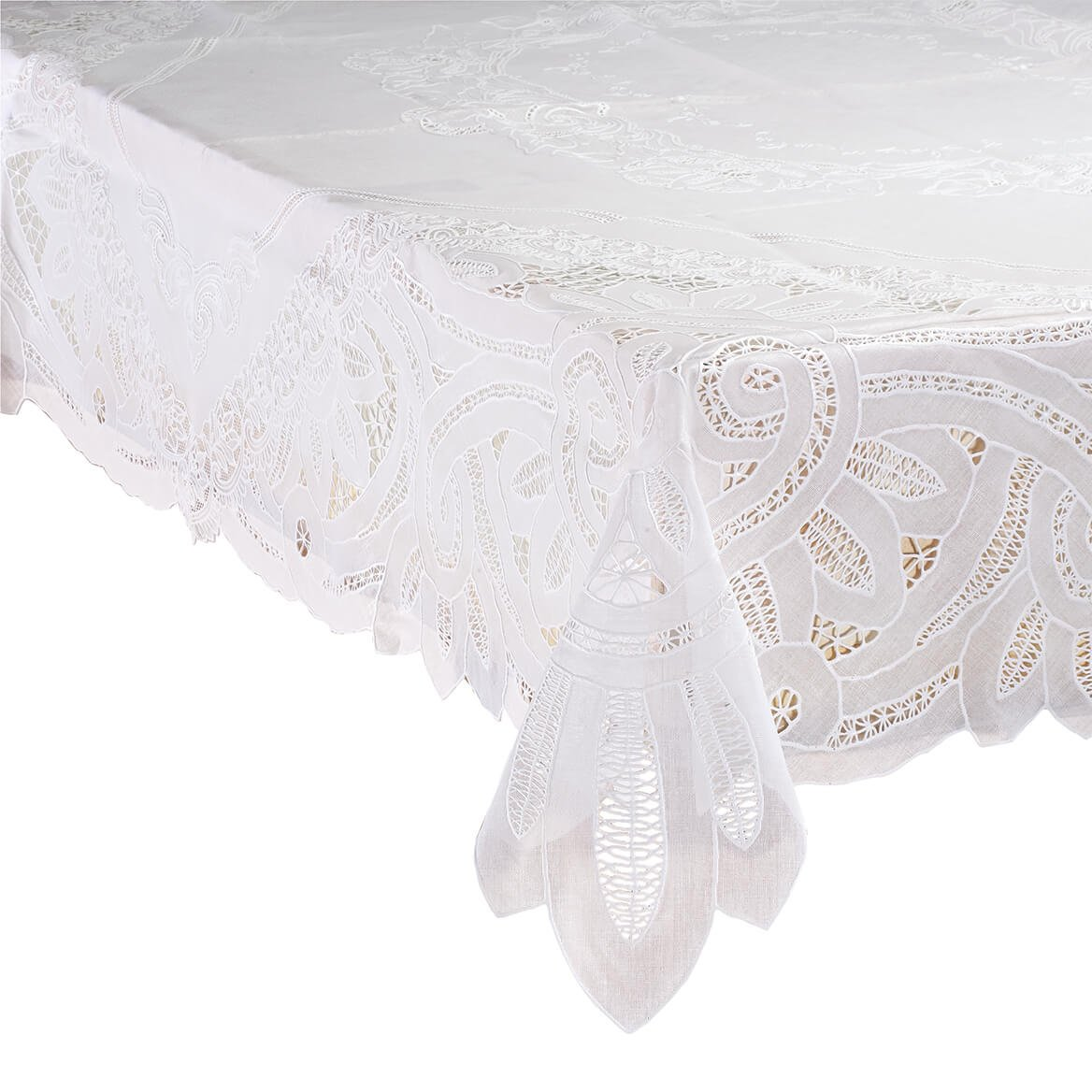 Battenburg Vinyl Lace Table Cover 60'' x 104'' Oblong