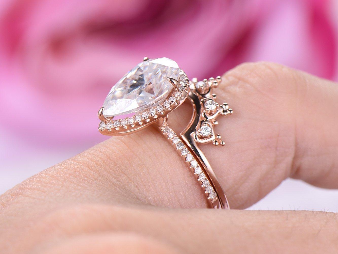Amazon.com: Pear Moissanite Engagement Ring Set Tiara Wedding Band ...