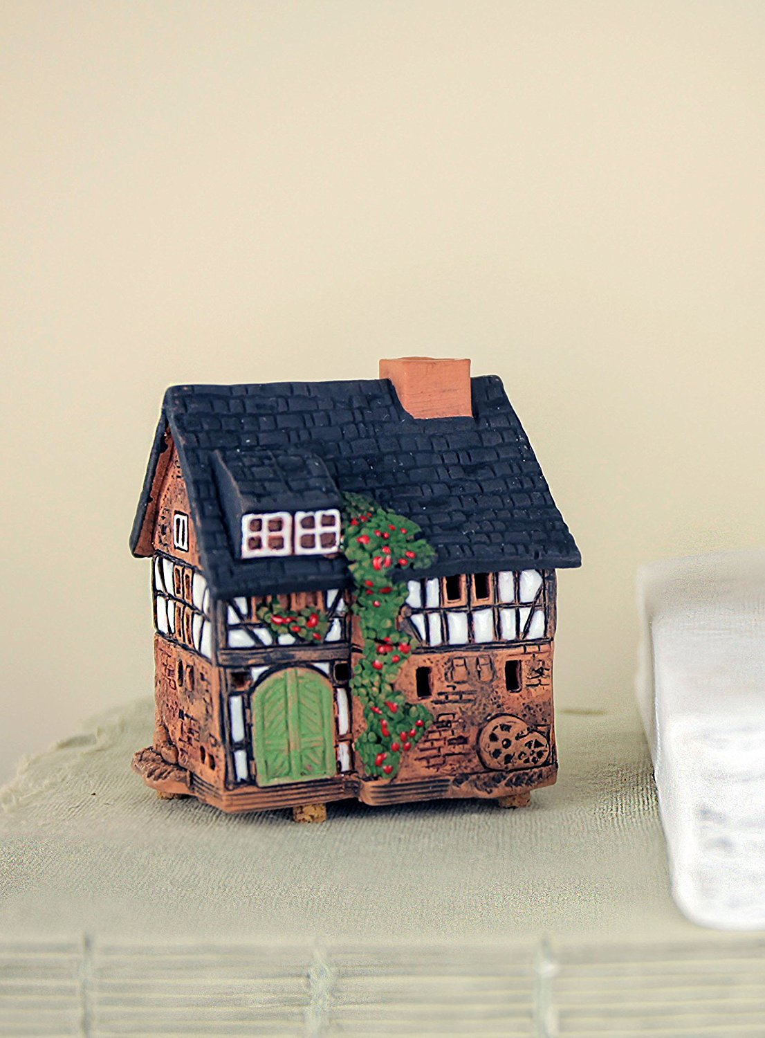 Midene Handmade ceramic aroma candle house by Art Studio Historic houses in Lauterbach S19-5