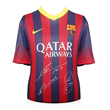 Lionel Messi, Andrés Iniesta y Xavi Hernández Firmado camiseta del Barcelona Fútbol: Amazon.es: Deportes y aire libre